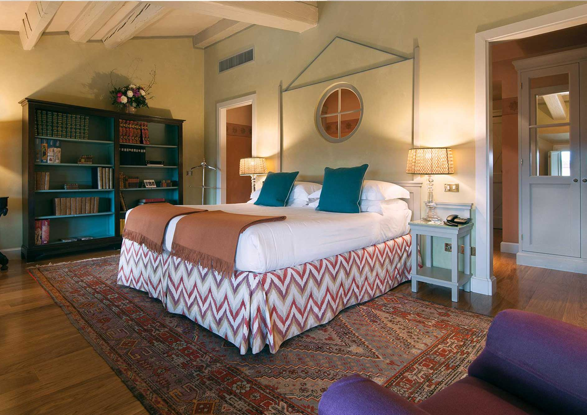 luxury hotel in florence - library suite